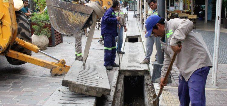 El Municipio trabaja en la limpieza y desobstrucción de desagües
