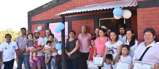 Entrega de viviendas sociales en El Hoyon