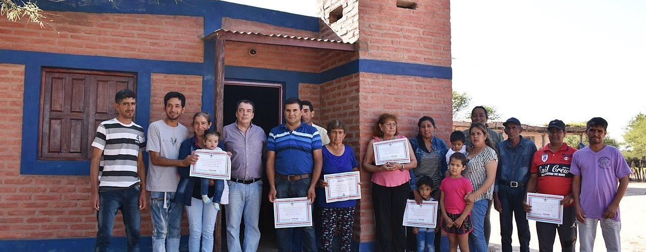 Entregan viviendas sociales en Paraje Condola