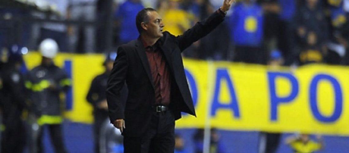 Gustavo Alfaro comienza su ciclo en Boca
