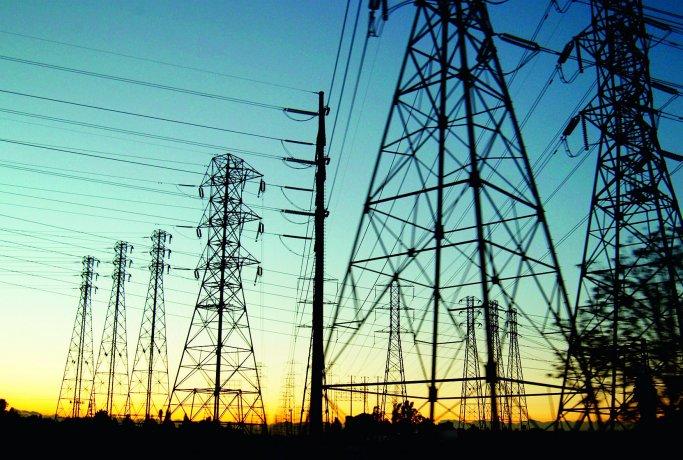 Crece la polémica por alza en tarifas de electricidad