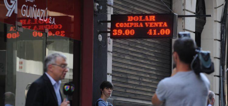 El Banco Central subió la tasa para frenar el dólar y cerró cerca de $ 41