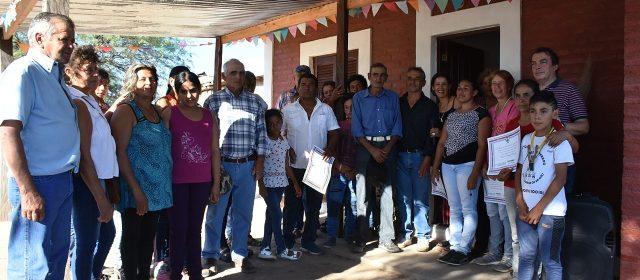 Entregan viviendas sociales en San Justo, Choya