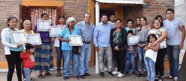 Entrega de viviendas sociales en la Capital y el departamento Banda