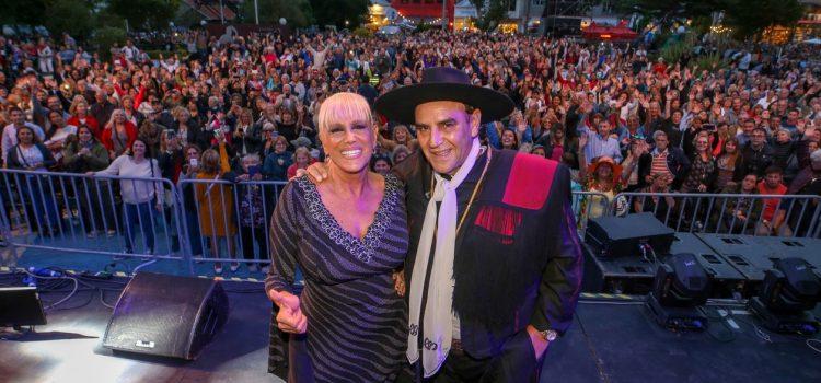 Valeria Lynch y el Chaqueño Palavecino cerraron la temporada de Espacio Clarín