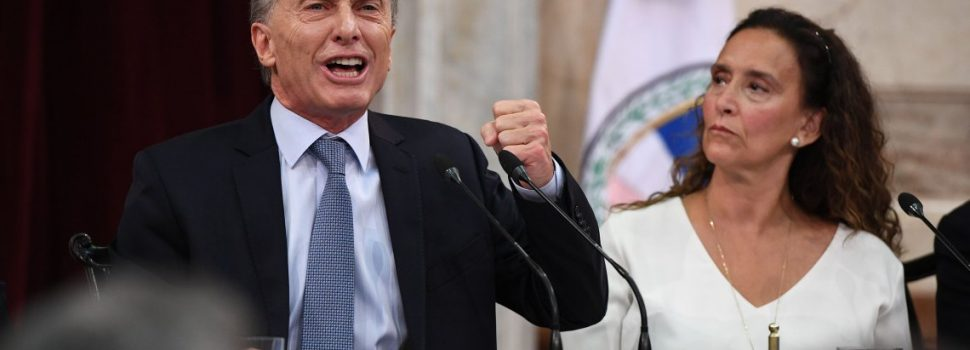 Siete de cada diez desaprueban la gestión de Macri y casi el 80% no espera mejoras