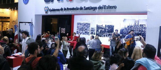 Multitudinaria participación en la Feria del Libro
