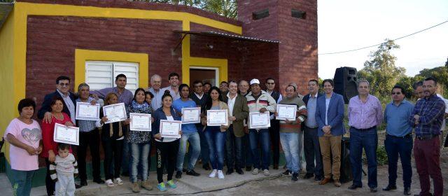 Entrega de viviendas sociales en Dpto. Río Hondo