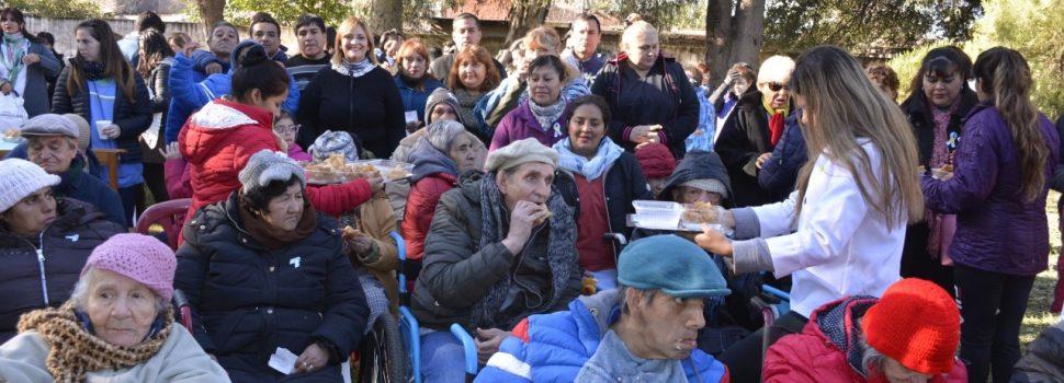 """En la Residencia para Mayores """"Mama Antula"""" se  realizó el tradicional chocolate del 25 de Mayo"""