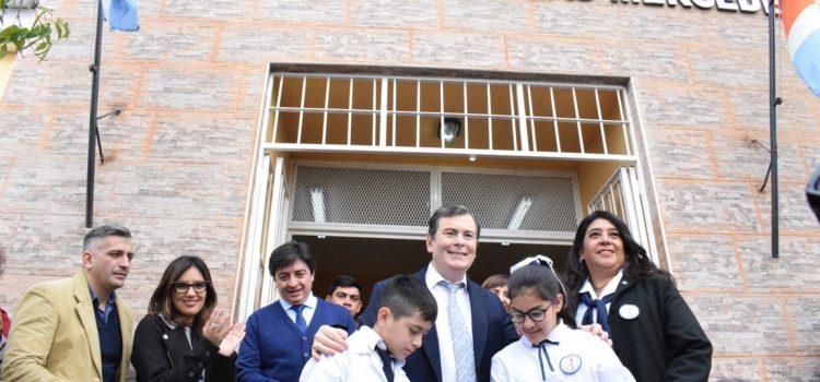 Gobernador inauguró obras de refacción y  ampliación del edificio de la Escuela N° 33