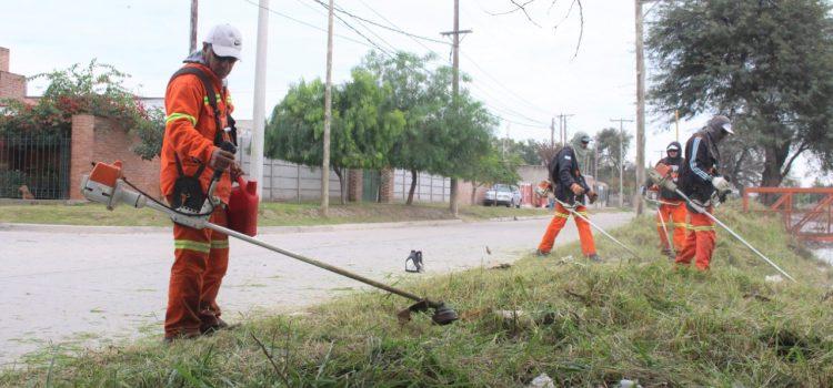 El municipio concretó operativos de limpieza en los barrios Huaico Hondo y Aeropuerto