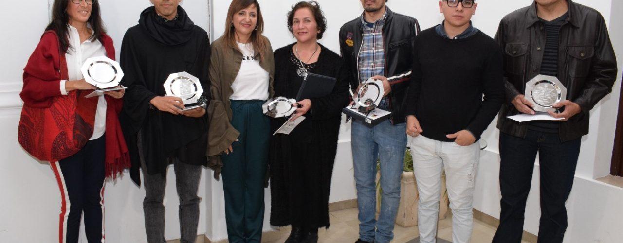 La Intendente Fuentes entregó premios a los ganadores del Salón Municipal de Artes Visuales