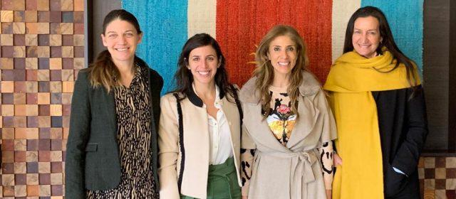 Claudia de Zamora dio la bienvenida a  participantes del evento Emprender Mujer