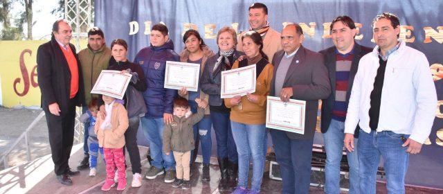 Familias de La Dársena recibieron viviendas sociales