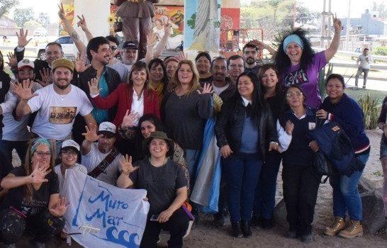 Fuentes visitó el espacio del Encuentro Internacional de Muralismo y Chacarera