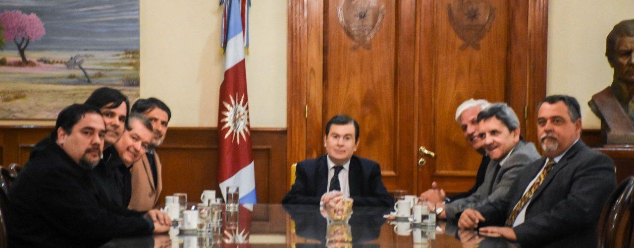 Ingenieros Agrimensores con el Gobernador