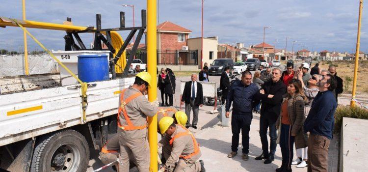 Fuentes sostuvo que la obra de iluminación LED llevará mejoras a vecinos que utilizan la Costanera Norte