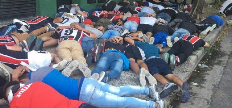 Casi 100 barras detenidos en la previa del partido en Chacarita – Tigre: se enfrentaron a los tiros