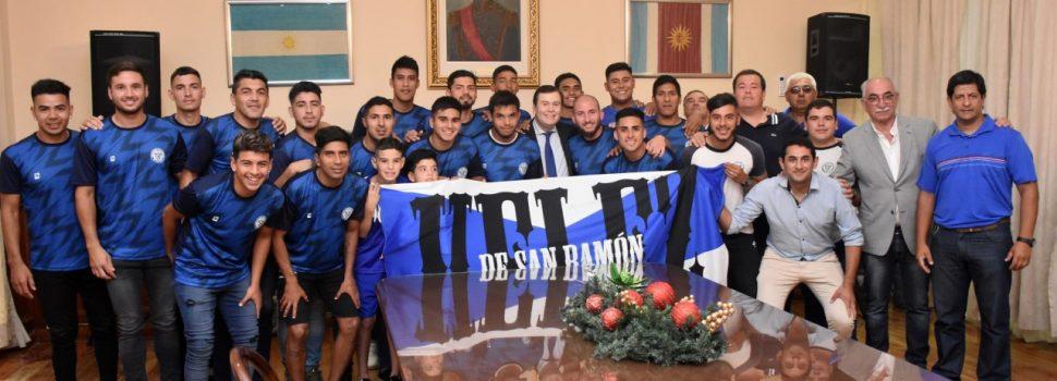 El Gobernador recibió a Vélez Sarsfield de  San Ramón, tri campeón del fútbol local