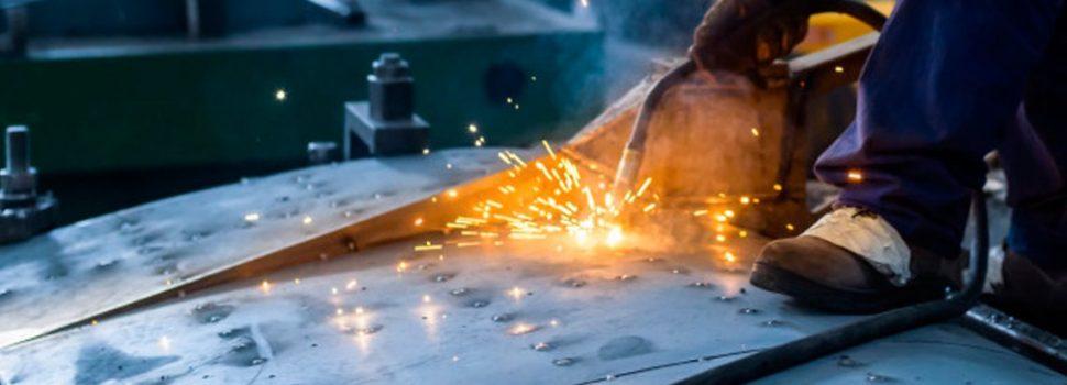 La industria cayó 6,4% en 2019 y la construcción se derrumbó un 7,9%