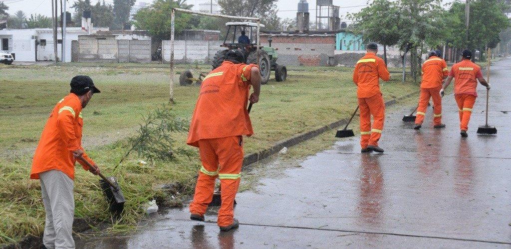 Operativo especial de higiene urbana en el barrio Sarmiento