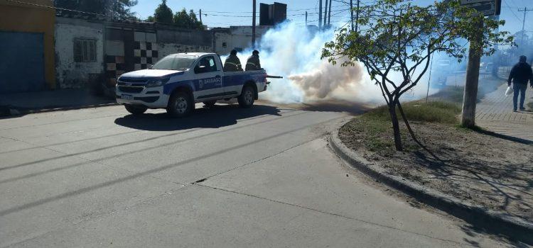 La Capital concretó nuevas fumigaciones en la zona sur de la ciudad