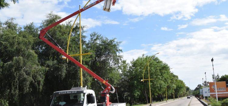 Electricidad de la Capital trabajó en el alumbrado de Núñez del Prado